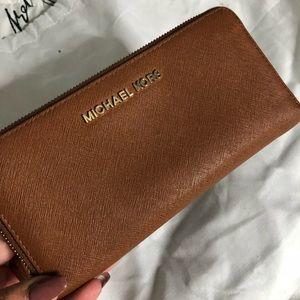 Michael Kors Safiano wallet